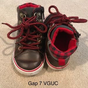 Gap size 7 side zip boots, Buffalo plaid, VGUC